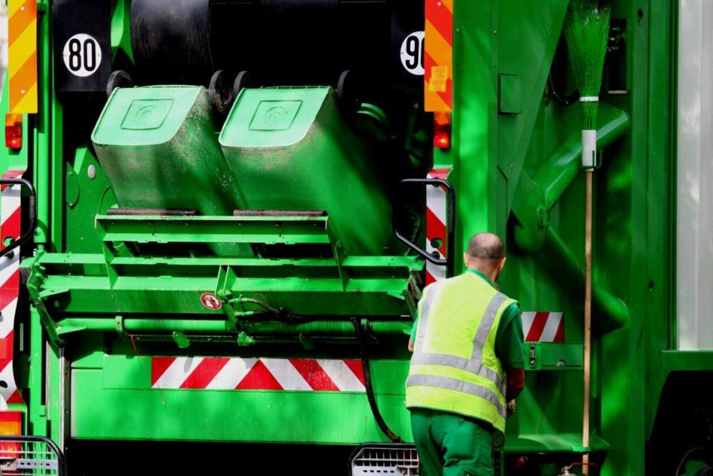 mobile paper shredding truck
